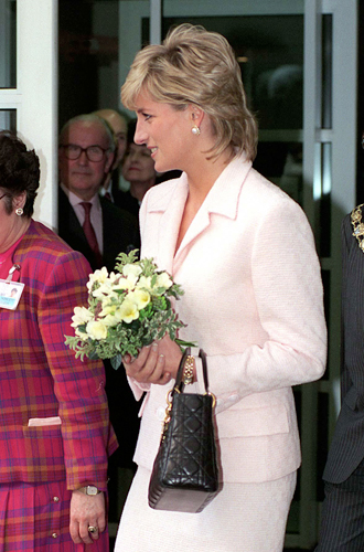 Фото №15 - Леди Диана и Lady Dior: история любви принцессы и сумки