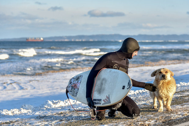 Фото №1 - «Прибой»: Первый полнометражный фильм о самобытном отечественном серфинге