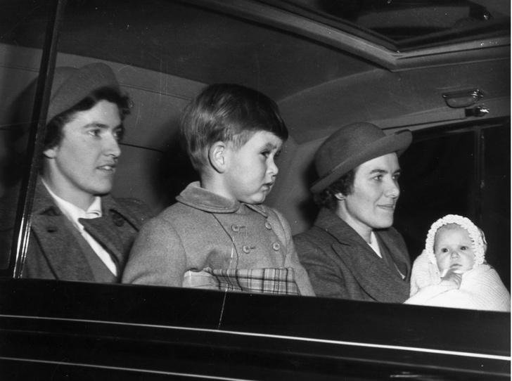 Фото №4 - Ревность Королевы: кто такая Хелен Лайтбоди, и что она не поделила с Елизаветой II