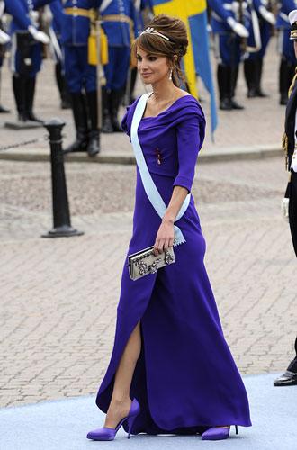 Фото №5 - Все оттенки сирени: как королевские особы носят фиолетовый цвет