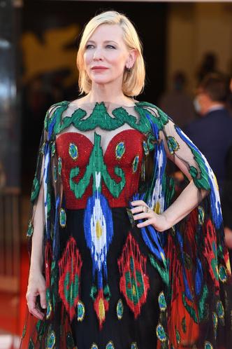 Фото №44 - Лучшие звездные образы за всю историю Венецианского кинофестиваля