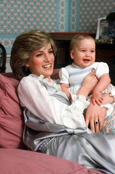 Фото №2 - Язык тела: какие отношения царят в британской королевской семье