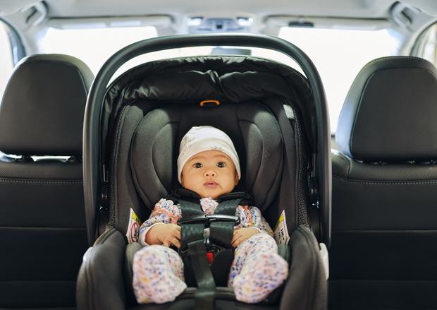 Фото №1 - Таксисты против мам: почему водители воюют с женщинами и детьми
