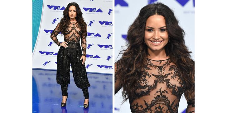 Фото №7 - Кто отличился на красной дорожке MTV VMA 2017? Оцениваем наряды