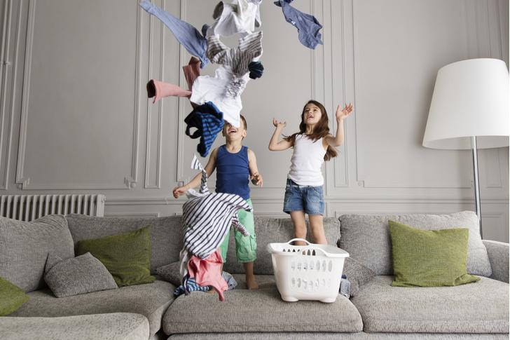 Фото №1 - Он сумеет: что должен делать по дому ребенок в разном возрасте