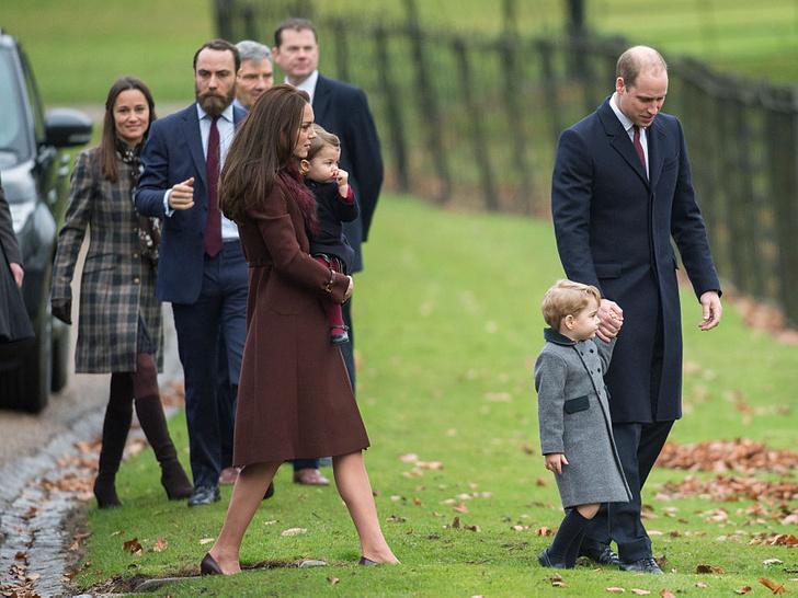 Фото №4 - Вторая семья: самые трогательные фото Уильяма с семьей Кейт