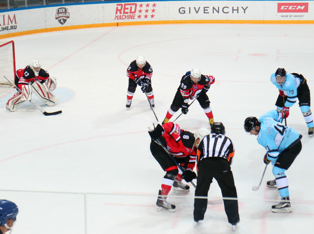 Фото №1 - Как прошел девятый хоккейный турнир на кубок MAXIM