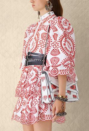 Фото №5 - Было/стало: как дизайнеры перешивают свои наряды ради Кейт Миддлтон
