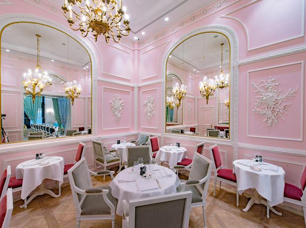 Фото №3 - Париж в Москве: 6 ресторанов, где подают лучшие французские десерты
