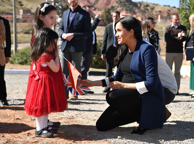 Фото №4 - Герцогиня Меган ищет американскую няню для первенца