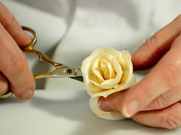 Фото №19 - Сладко: свадебные торты на королевских свадьбах