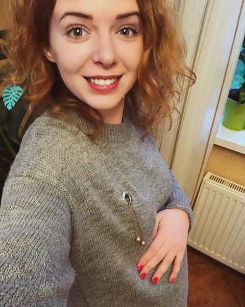 Фото №2 - «Я на 22-й неделе»: Женя Огурцова обманула сотрудников загса
