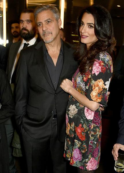 СМИ сообщили, что у Клуни будет двойня