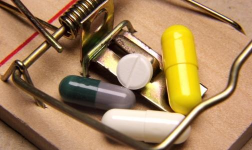 Фото №1 - Перечня лекарств, закупаемых по торговым наименованиям, в ближайшее время ждать не стоит