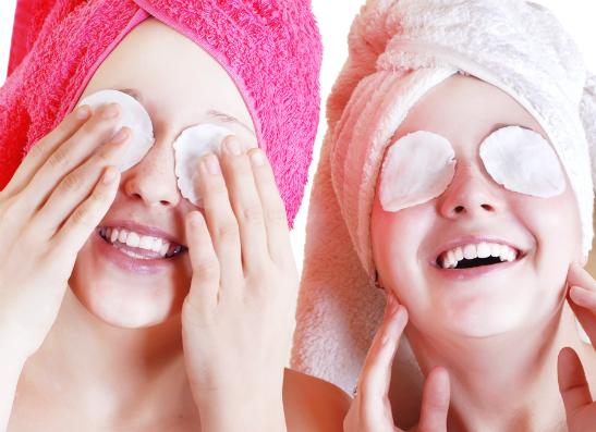 Фото №1 - Уроки красоты: как ухаживать за лицом?
