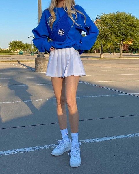 Фото №3 - С чем носить трендовую теннисную юбку: учимся у Махи из Dream Team House