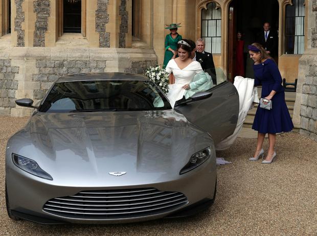 Фото №4 - Нарушая традиции: чем свадьба Беатрис будет отличаться от других королевских церемоний