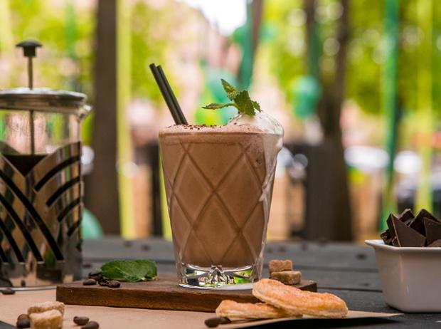 Фото №5 - Мятный, десертный, газированный: три рецепта холодного кофе для жаркого лета