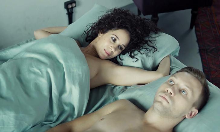 Фото №1 - Если вам понравился «Секс/жизнь»: 6 новых сериалов с откровенными эротическими сценами