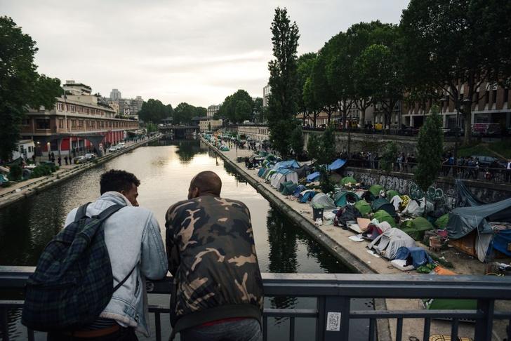 Фото №1 - Государство в государстве: как устроена жизнь в парижских иммигрантских районах