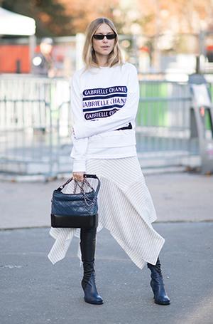 Фото №20 - Как носить самые модные юбки сезона: мастер-класс от звезд street style хроник