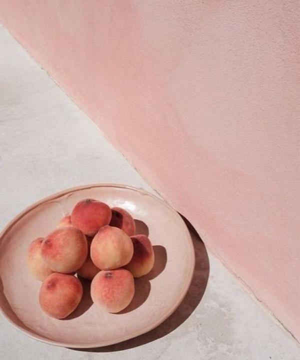 Каникулы под солнцем: рецепты ярких блюд с персиками, которые подают в ресторанах прямо сейчас