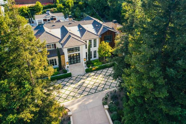 Фото №1 - Мадонна купила бывший дом рэпера Weeknd в Калифорнии