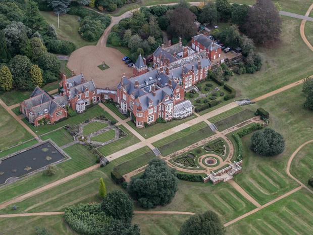 Фото №2 - Особые условия: чем дом Софи и Эдварда Уэссекских отличается от других королевских резиденций