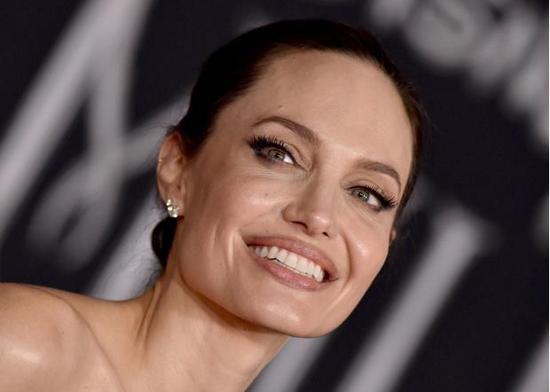 Фото №6 - Все ее трещинки: как на самом деле выглядит вблизи Анджелина Джоли
