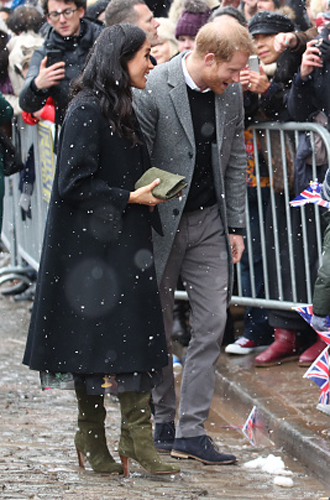 Фото №3 - Снега не боятся: Гарри и Меган прибыли в Бристоль