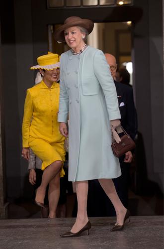 Фото №5 - Принцесса Дании рассказала о правильном королевском гардеробе (и намекнула на неудачный)