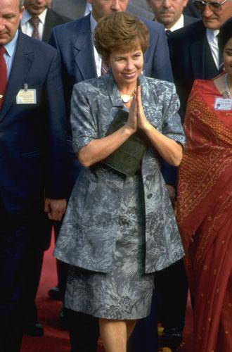 Фото №7 - Этикет первых леди: что можно (и нельзя) супругам президентов