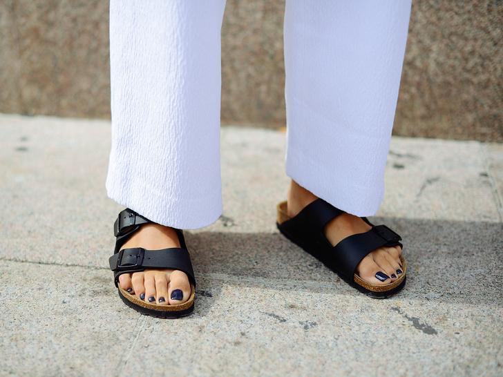 Фото №1 - Биркенштоки в городе: с чем носить самые удобные сандалии
