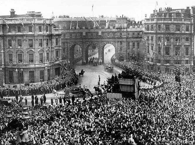 Фото №15 - Пир после чумы: как Великобритания выдавала замуж будущую королеву Елизавету II